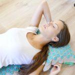 Les astuces pratiques pour soigner le mal de dos avec l'acupression